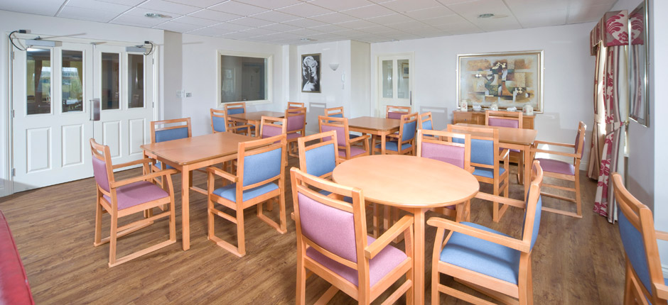 Lindisfarne crawcrook care home newcastle crawcrook ryton for Nursing home dining room ideas